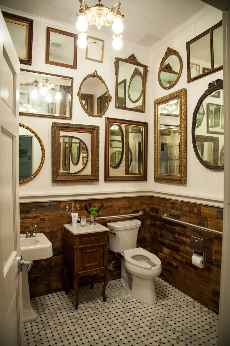 The bathroom at Billy Reid in Georgetown